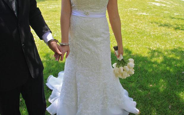 Jak řešit dluhy manžela či manželky? Poradíme vám.