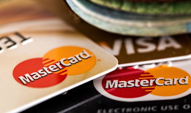 Bezkontaktní platební karty