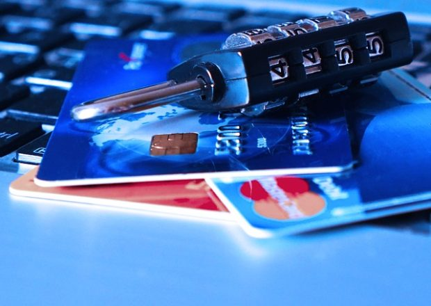 Pojištění platebních karet a proč se vyplatí?